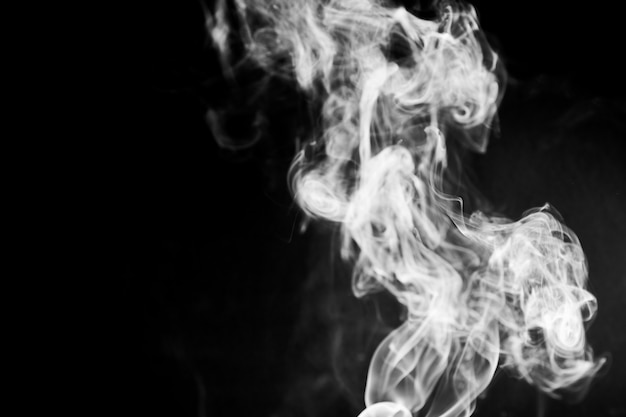 Glatte rinnsal von rauch