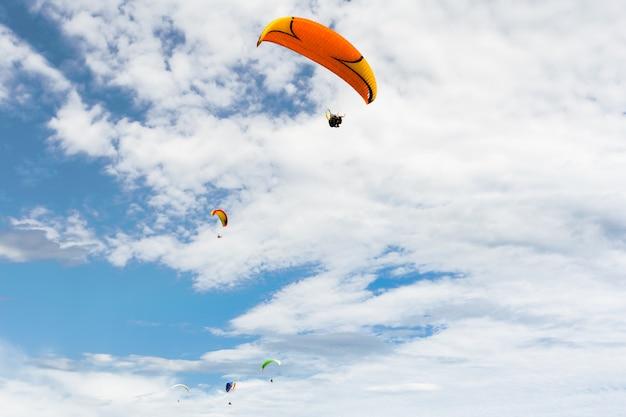 Gleitschirm hoch fliegen