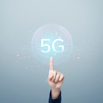 Globale netzwerktechnologie mit 5g-hologramm