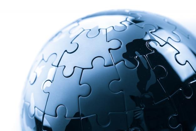 Globales geschäftskonzept für strategie und lösung, puzzle