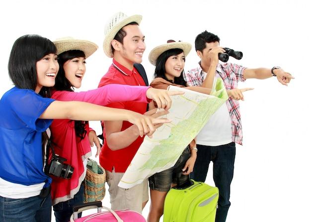 Glückliche junge leute touristen