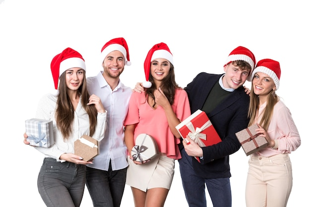 Glückliche leute gruppe mit weihnachtsmütze