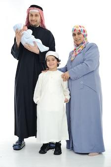 Glückliche muslimische familie