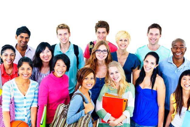 Glückliche verschiedene studenten