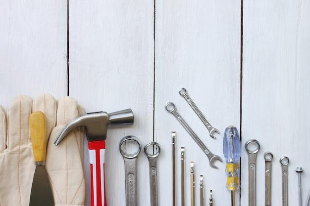 Glücklicher arbeitstag-konzept-werkzeugtechniker vereinigter staaten.