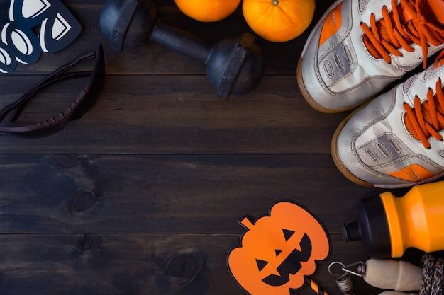 Glücklicher halloween-tag mit eignung, übung, gesunden lebensstil ausarbeiten