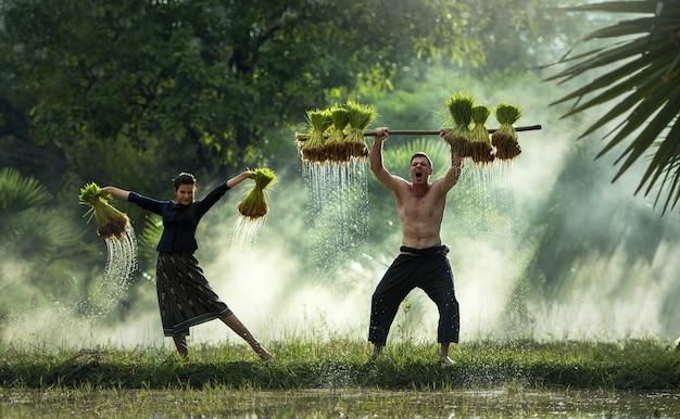 Glücklicher landwirt