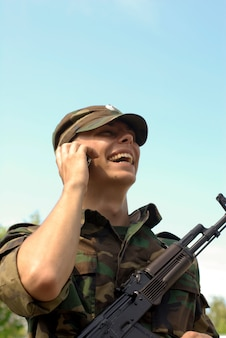 Glücklicher soldat