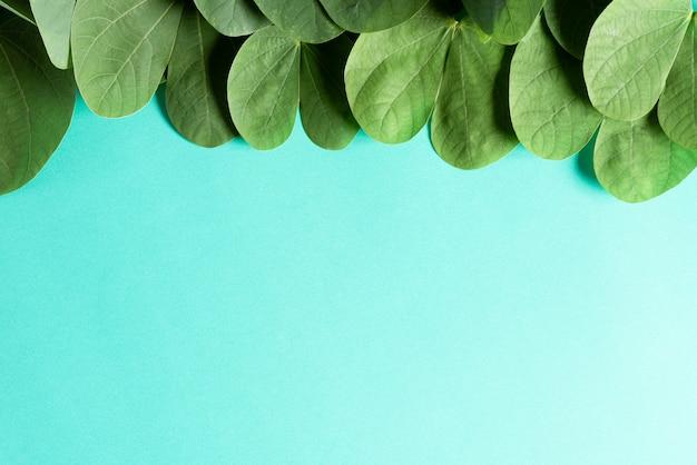 Glückliches dussehra-konzept auf blauem hintergrund