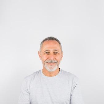 Glückliches fotografieporträt des älteren mannes