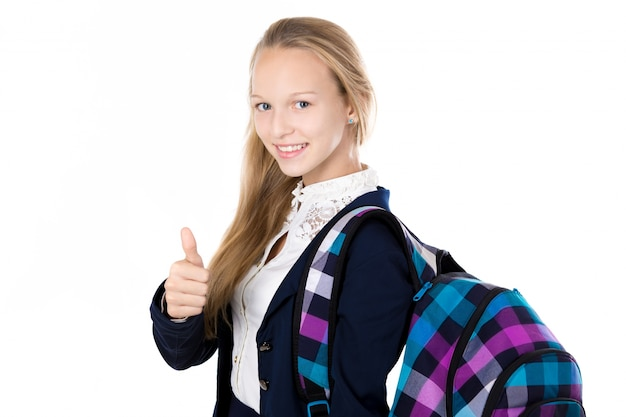 Glückliches mädchen mit ihrem rucksack