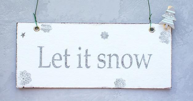 Glückliches magisches weihnachten ließ es schneien