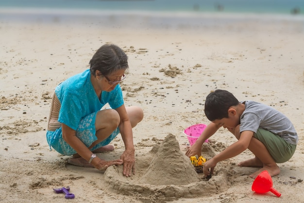 Glücksaktivität zwischen 2 generationen menschen.