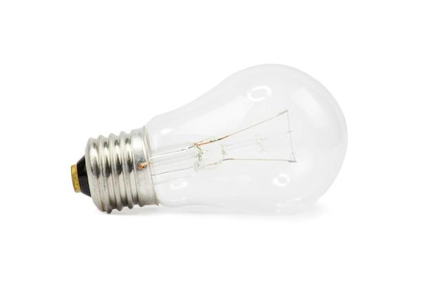 Glühbirne lokalisiert auf weißem, realistischem fotobild