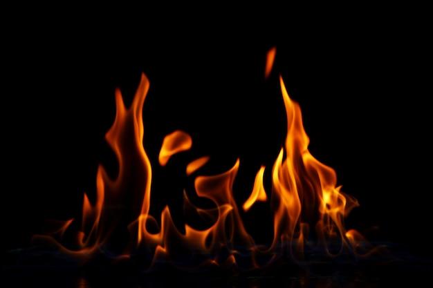 Glühende feuerflamme