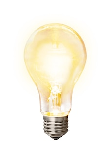Glühende gelbe glühbirne auf weiß