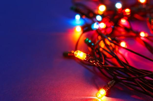 Glühende weihnachtsbeleuchtung, nahaufnahme