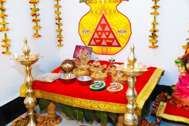 Göttinnenskulptur in der indischen hochzeit