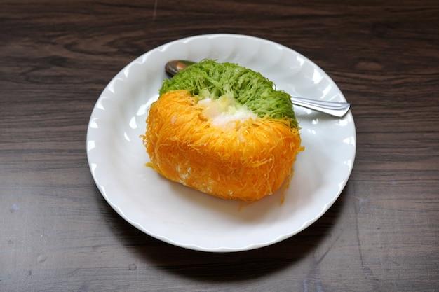 Gold-eigelb-faden-kuchen oder kuchen-foi-tong-thai-kuchen