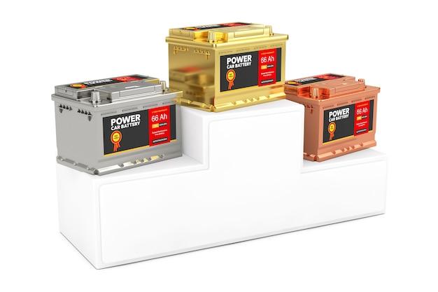 Gold, silber und bronze akku 12v autobatterie mit abstraktem etikett über sport winner podium podest auf weißem hintergrund. 3d-rendering