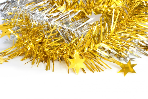 Gold- und silberlametta für weihnachtsdekoration