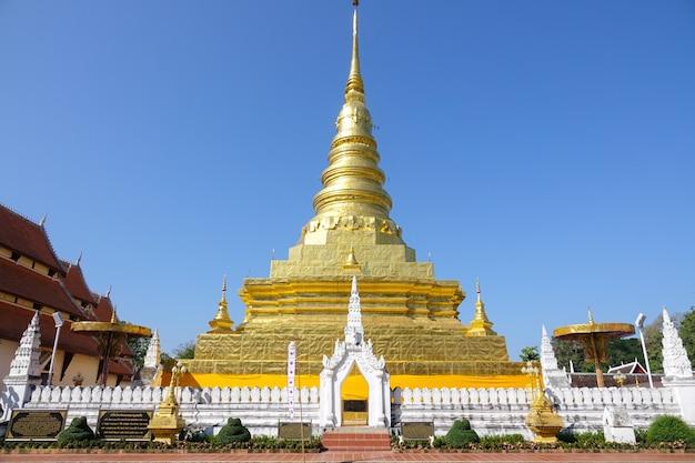 Goldene pagode im norden von thailand
