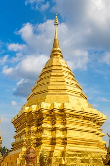 Goldene pagode wat phra, die doi suthep in chiang mai, thailand