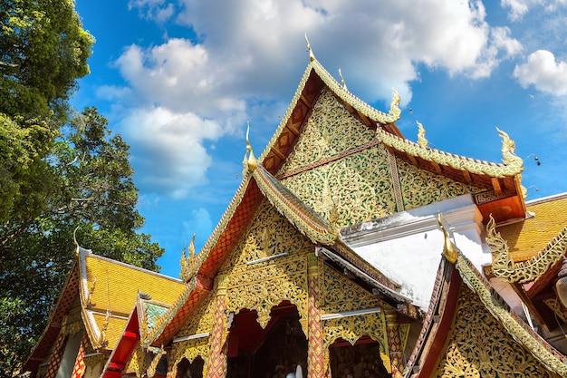 Goldene pagode wat phra that doi suthep in chiang mai, thailand