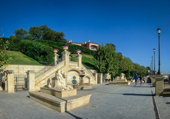Goldene Strandpromenade in Odessa