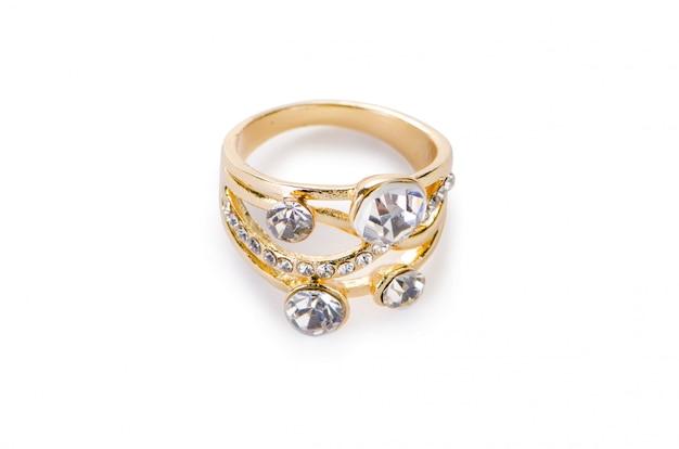 Goldener ring lokalisiert auf weißem hintergrund