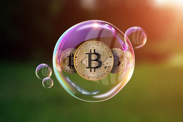 Goldmünzen bitcoin. das konzept der instabilität der kryptowährung, elektronisches geld