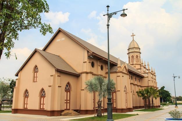 Gotische artkirche in bangkok, thailand