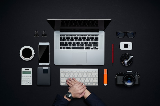 Grafikdesign und fotografenarbeitsbereich