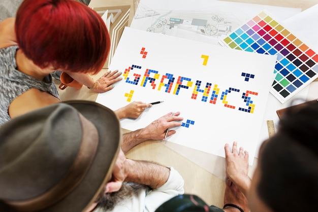 Grafikdesigner arbeiten zusammen