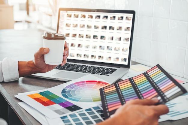 Grafikdesigner kreatives planen und nachdenken über ideen für eine erfolgreiche arbeit