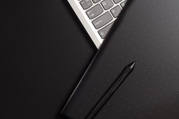 Grafiktablett mit stift für illustratoren und designer
