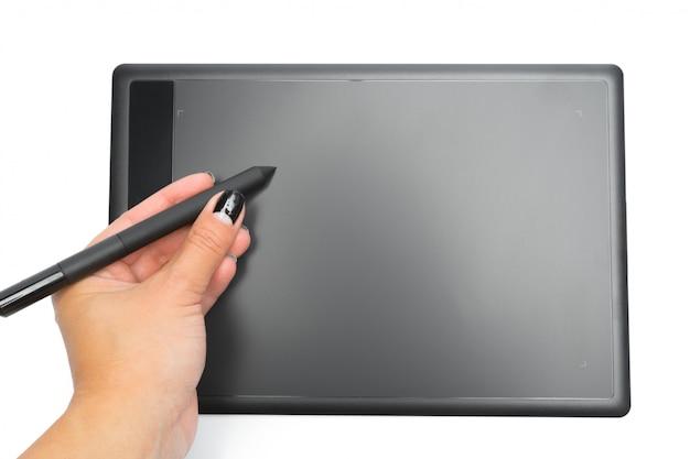 Grafische tablette mit stift und hand für illustratoren und designer, lokalisiert