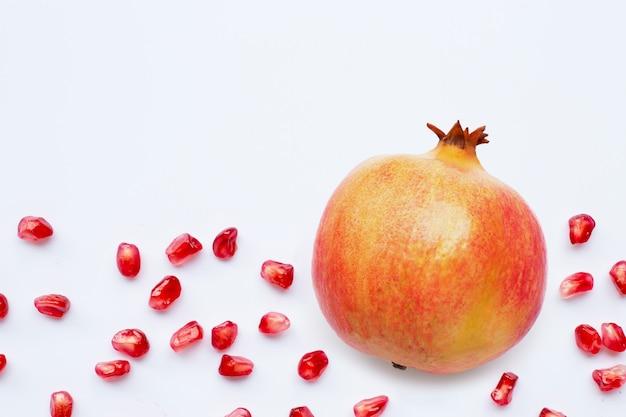 Granatapfelfrucht und samen