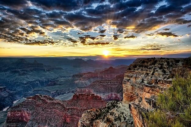 Grand canyon sonnenaufgang, horizontale ansicht