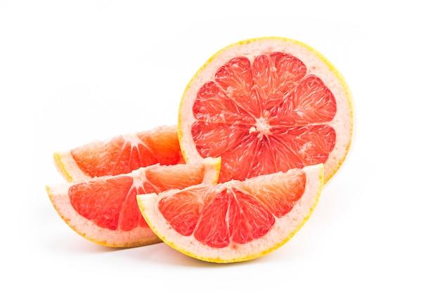 Grapefruit auf weiß