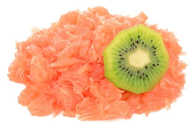 Grapefruit das fruchtfleisch und die kiwi