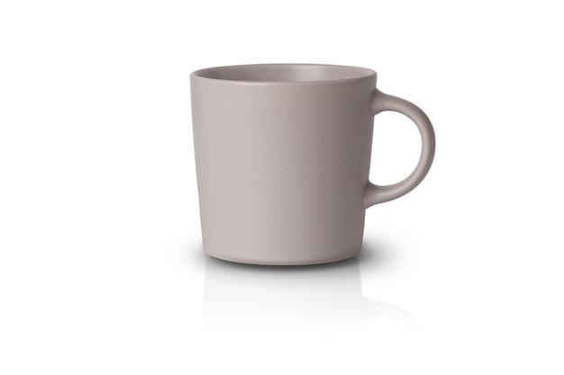 Graue tasse isoliert auf weiß