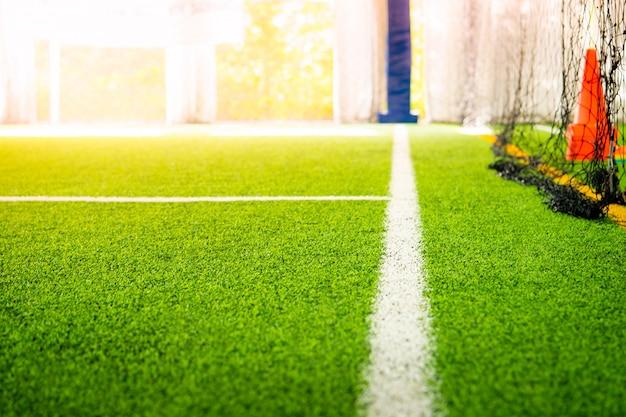 Grenzlinie eines hallenfußballfußball-trainingsfeldes