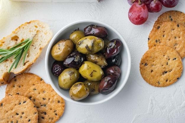 Griechische oliven frisch ,, draufsicht