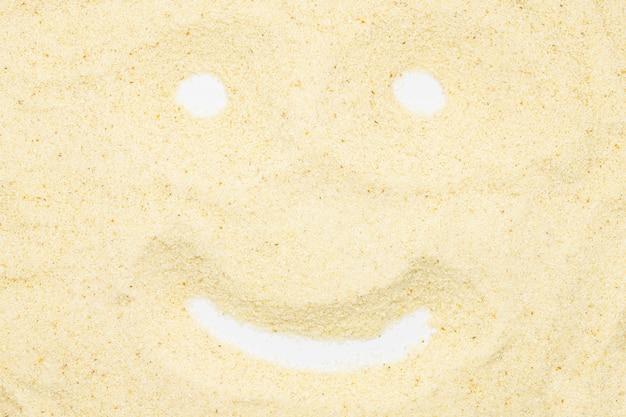 Grieß, lustiges lächelngesicht, abschluss oben, makro, draufsicht.