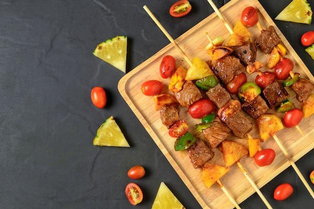 Grillrindfleischgrill mit gemüse