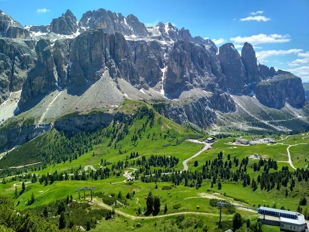Großartige aussicht auf die cadini di misurina im nationalpark tre cime di lavaredo. dolomiten