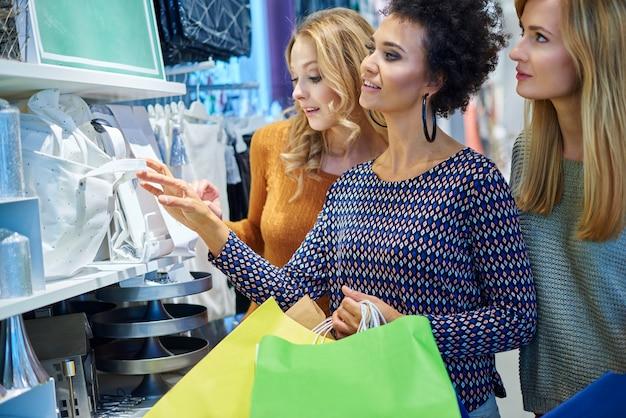 Große auswahl im einkaufszentrum