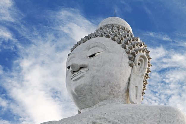 Große buhhha-statue