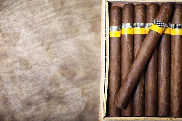 Große holzkiste zigarren handgemachte kubanische produktion